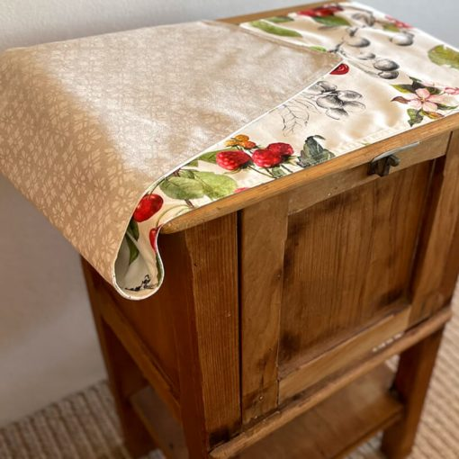 Table Runner Double Sided Cherry Versailles